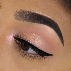 Light pink makeup looks have always been eye-catching. With pink smokey eye tutorial, here you would find various pink makeup ideas you could opt for. Makeup Eye Looks, Eye Makeup Art, Pink Makeup, Cute Makeup, Glam Makeup, Gorgeous Makeup, Pretty Makeup, Makeup Inspo, Eyeshadow Makeup