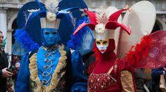 20 de poze cu impresionantul Carnaval de la #Venetia 2012.  Vezi mai multe poze pe www.ghiduri-turistice.info  Sursa : www.flickr.com/photos/64501113@N07 Carnival Date, Carnival Of Venice, Italian Words, Beautiful Mask, Lent, 4th Of July Wreath, Masquerade, Red And Blue, Eye Candy