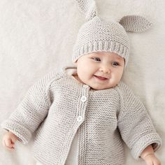 Latest Free of Charge Crochet baby jacket Suggestions Easy Rib Baby Jacket Strickanleitung Bernat Knit Baby Jacket Set Gratisanleitung # # Baby Cardigan Knitting Pattern Free, Knitting Patterns Boys, Baby Sweater Patterns, Knitted Baby Cardigan, Knit Baby Sweaters, Knitted Baby Clothes, Free Knitting, Free Crochet, Cardigan Pattern
