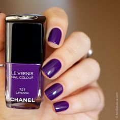 Chanel #727 Lavanda swatches