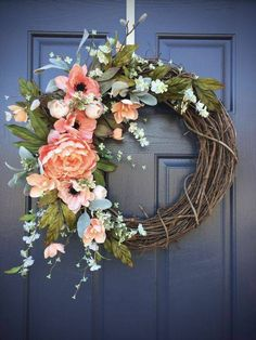 Say hello to spring with such a beautiful flower wreath