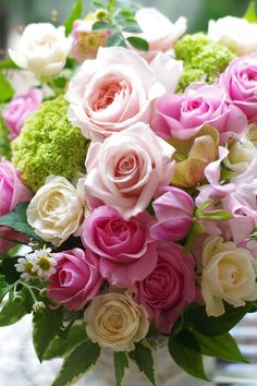Image may contain: flower, plant and nature Happy Birthday Flower Cake, Happy Birthday Flowers Wishes, Happy Birthday Celebration, Happy Birthday Pictures, Happy Birthday Fun, 12 Roses, Pink Roses, Flowers Nature, Pretty Flowers