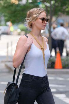Jennifer Lawrence a New York con Il collier Mesh