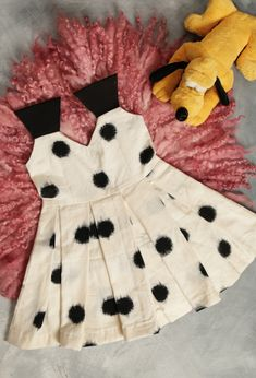 Discover recipes, home ideas, style inspiration and other ideas to try. Baby Girl Dress Design, Girls Frock Design, Kids Frocks Design, Baby Frocks Designs, Baby Girl Frocks, Frocks For Girls, Dresses Kids Girl, Frocks For Babies, Baby Dresses