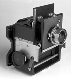 advanced diy camera..cool bro Antique Cameras, Old Cameras, Vintage Cameras, Panoramic Photography, Photography Camera, How To Make Camera, Retro Camera, Photo Equipment, Camera Gear