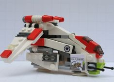 Vehicle Synopsis: The Low Altitude Assault Transport/infantry (LAAT/i), often referred to as the Republic Attack Gunship or Republic Gunship, was a specialized gunship designe. Lego Mandalorian, Lego Stormtrooper, Starwars Lego, Film Star Wars, Nave Star Wars, Lego Spaceship, Lego Robot, Nave Lego, Lego Star Wars Mini