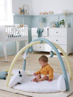Tapis d'éveil MENTHE A L'EAU pas cher - 😍 Découvrir ici - #Tapisdeveilbebe #Vertbaudet #Tapisdeveil #jouets #Noel #Jouetsbebe #bebe #premierage Baby Sense, Activity Mat, White Light, Hanging Chair, Toddler Bed, Activities, Toys, Ribbons, Furniture