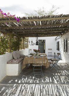 Pergola For Small Backyard Rustic Pergola, Backyard Pergola, Pergola Kits, Pergola Roof, Pergola Shade, Garden Design, House Design, River Lodge, Rustic Gardens
