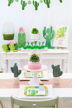 Summer Party Trends: Cactus Decor - The Everyday Hostess Deco Cactus, Cactus Cake, Cactus Decor, Cactus Cactus, First Birthday Parties, Birthday Party Themes, First Birthdays, Birthday Ideas, Fiestas Party