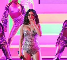 selena without psd Selena Gomez Facts, Selena Gomez Tour, Hollywood Heroines, Marie Gomez, Stage Outfits, Zendaya, Role Models, Girl Models, Girls In Love