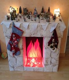 making a false chimney card for Christmas Diy Christmas Fireplace, Christmas Diy, Faux Fireplace, Harry Potter, Christmas Stockings, Gift Wrapping, Diy Crafts, Holiday Decor, How To Make