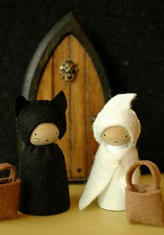 A cat and ghost from We Bloom Here... OMG, these are so cute!!