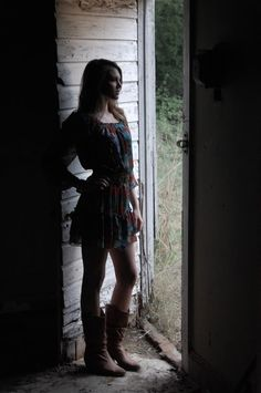 Abandoned house photoshoot. I've done one of these, and it was SO fun. I can't wait to do another! :)