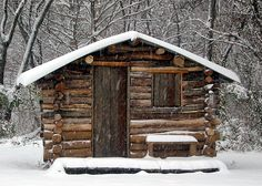 """Relaxshacks.com: David Lottes Update (The House Of Fallen Timbers- a """"recycled"""" tiny log cabin"""