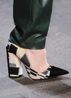 Christian Siriano #FW2014 #NYFW #SHOES Zapatos, los Zapatos de Patricia - El Blog de Patricia : Los desfiles de Nueva York OI2014 vistos a través de 14 zapatos.