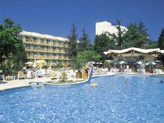 """Hotel Malibu 4* Albena, Bulgaria Localizare: In zona centrala a complexului, aproape de numeroasele magazine, restaurante, baruri si alte puncte de atractie, la 100 m de plaja. Amplasarea perfecta a hotelului """"Malibu"""", intre principala alee comerciala a complexului Albena si frumoasa plaja a statiuni."""