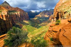 Zion Narrows (Zion National Park) -- © 2010 Joe Braun Photography Excellent resource for visiting and photographing Zion National Park