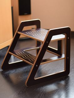 Step stool is made of 15 mm laminated birch plywood with lacquer edges. This material is chosen because it allows to produce very durable but at