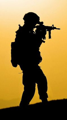 Military Guns, Military Life, Military Art, Navy Seal Wallpaper, Camo Wallpaper, Iphone Wallpaper, Ghost Soldiers, Indian Army Special Forces, Indian Army Wallpapers