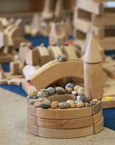 Extending Block Play with Loose Parts Play Based Learning, Learning Through Play, Fun Activities For Kids, Games For Kids, Just Kids, Block Area, Block Play, Small World Play, Preschool At Home