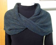 Free crochet pattern for a barbie shoulder wrap. The pattern uses a size 10 crochet cotton and the stitches are very easy to do.