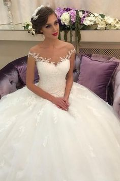 elegant ball gown white wedding dress, fashion tulle princess bridal dress, the beautiful dress in the big day