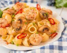 Pâtes légères au poulet, piment et paprika : http://www.fourchette-et-bikini.fr/recettes/recettes-minceur/pates-legeres-au-poulet-piment-et-paprika.html