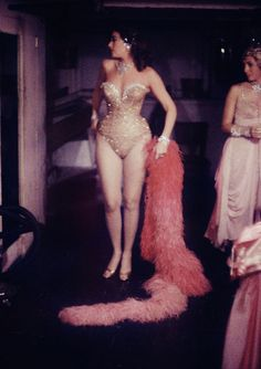 The Latin Quarter Cabaret in NYC by Gordon Parks Gordon Parks, Vintage Glamour, Vintage Beauty, Vintage Fashion, Beat Generation, Moda Retro, Moda Vintage, Burlesque Vintage, Vintage Lingerie
