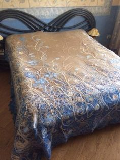 Beautiful bedspread created by Yaga Nuno Felting, Needle Felting, Wool Art, Bed Spreads, Knitting Patterns, Ottoman, Blanket, Chair, Sketching