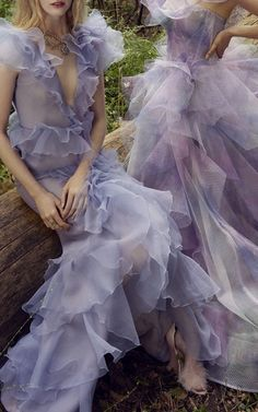 Get inspired and discover Costarellos trunkshow! Shop the latest Costarellos collection at Moda Operandi. Pretty Dresses, Beautiful Dresses, Fancy Gowns, Fairytale Dress, Embroidered Silk, Look Cool, The Dress, Evening Gowns, Designer Dresses
