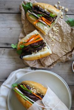 For me a bánh mì sandwich is one of those sort of treat type lunches. Somehow reminiscent of my childhood, although I have no idea why considering my mother has … Sandwich Vegan, Vegan Burgers, Vegan Sandwiches, Vegan Vegetarian, Vegetarian Recipes, Whole Food Recipes, Cooking Recipes, Plant Based Whole Foods, Wrap Sandwiches