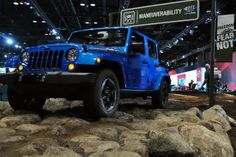 Jeeps are my thing. Jeep Tent, Jeep Suv, Jeep Cars, Green Jeep, Black Jeep, Lifted Jeep Rubicon, Jeep 2014, Blue Jeep Wrangler, Autos
