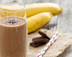 A sumptuous and refreshing non-dairy smoothie with coconut, banana, mango and pure cacao powder. It also has the added boost of maca powder to keep you sustained and firing on all cylinders. Why not try this smoothie to go along with a healthy breakfast?