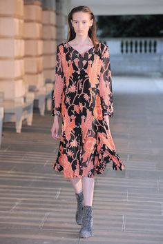 http://www.vogue.com/fashion-shows/resort-2017/creatures-of-wind/slideshow/collection