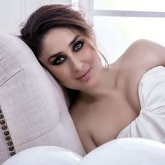 Exclusive Bollywood Actresses Hot HD Wallpapers, Heroine Photos, Girls Pictures, Indian Models Images, Bikini Babes & Beautiful Indian Celebrities from latest Photoshoots. New Fashion Trends, New Trends, Heroine Photos, Kareena Kapoor Khan, Bollywood Actress Hot, Movie Photo, Indian Models, Indian Celebrities, Hottest Photos