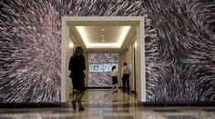 Een muur dat reageert op zijn voorbijgangers. Een stukkie techniek vanESI Design.