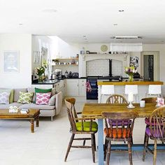 open plan kitchen diner living room country style Recherche