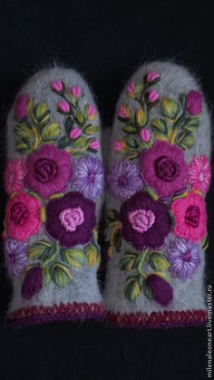 . Wool Embroidery, Wool Applique, Hand Embroidery Designs, Mittens Pattern, Knit Mittens, Crochet Gloves, Knit Crochet, Knitting Patterns, Sewing Patterns