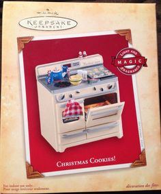 Have 2004 Hallmark Christmas Cookies Oven Orament Magic Fragrance Hallmark Christmas Ornaments, Hallmark Keepsake Ornaments, Christmas Presents, Christmas Time, Cookies Light, Christmas Cookies, Kitchen Ornaments, Cottage Lighting, Decoration