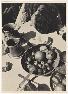 László Moholy-Nagy, Lucia at the breakfast table, Berlin, 1926