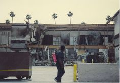 LA Riots - aftermath (159598182) - Unruhen in Los Angeles 1992 – Wikipedia Rodney King, War On Drugs, Conservative News, New World Order, Political News, Civil Rights, We The People, Civilization, Around The Worlds