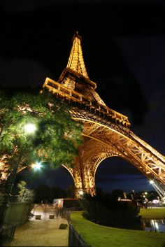 Most Romantic Places for Marriage Proposal - The Eiffel Tower in Paris