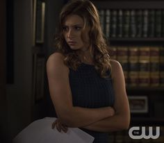 Aly Michalka in iZombie Dc Tv Shows, Movies And Tv Shows, Izombie Tv Series, I Zombie, Rose Mciver, Aly Michalka, 2 Photos, Pictures, Cw Dc