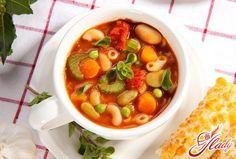 Содержание:  Ингредиенты минестроне Приготовление супа минестроне Рекомендации к подаче Рецепт соуса песто Итальянская кухня приобрела немалую популярность по всему миру в наши дни. Однако эта популя…
