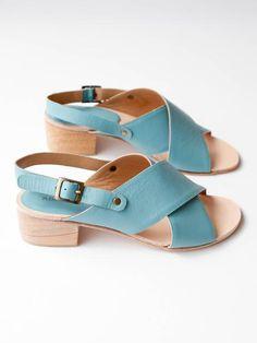 fefaa2c1ba8c A Détacher - Crane Sandals - Sky Blue Crane