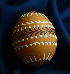 Kraslice v přírodních tónech & Zboží prodejce Královna Mab Polish Easter, Egg Art, Egg Decorating, Easter Eggs, Decoupage, Diy And Crafts, Tastefully Simple, Bottle, Paintings