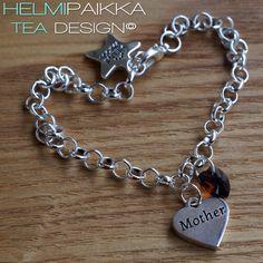 Amulettirannekoru Mother sydänamuletilla ja ruskealla Swarovskin kristallilla <3 Tilaa omaksi täältä: http://www.helmipaikka.fi/tuotteet.html?id=20641%2F3301