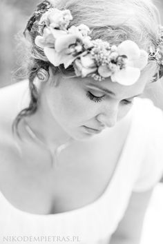 Panna młoda.  #fotografiaslubna #fotografslubny #fotografpoznan #reportaż #reportaz #junebugweddings #lookslikefilm #nikodempietrasfotografia #pannamloda  #poznań #reportazslubny #sesjaslubna #sesjazdjęciowa #sesjawlesie #ślubneinspiracje #slubnaglowie  #slubneinspiracje #slub #slub2018#zdjęciaślubne #YouRockPhotographers #wedding #weddinginspirations #weddingphotographer #wesele #zankyou #theknot #dirtybootsandmessyhair #heyheyhellomay #fearlessphotographers