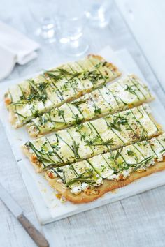 Keep these 11 vegetarian zucchini recipes in rotation for all your summer Meatless Mondays. Vegetarian Zucchini Recipes, Veggie Recipes, White Dinner, Pizza, Food Out, Le Diner, Eat Smart, Light Recipes, Food Recipes