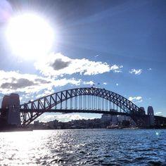 Le Harbour Bridge à Sydney #australie #sydney #HarbourBridge (à Sydney) http://erdelcroix.tumblr.com/post/54777611726/yseultdel-le-harbour-bridge-a-sydney-australie